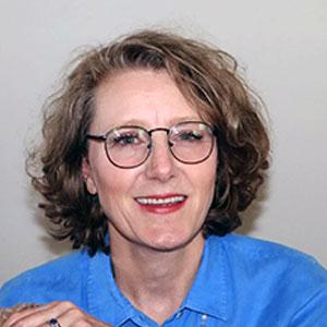 """Caroline Falkiner, <a href=""""https://naveze.com"""" target=""""_blank"""">Naveze</a>"""